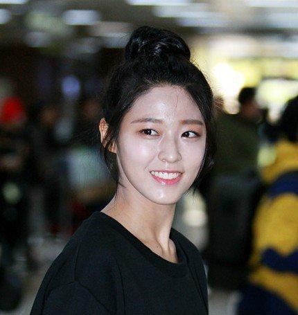 bao-vat-quoc-dan-seol-hyun-nhieu-lan-lo-ty-khi-co-giau-lan-da-ngam-3
