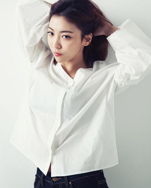 sao-han-26-3-hyo-yeon-xinh-dep-khac-la-amber-hoa-soai-ca-so-mi-trang-7