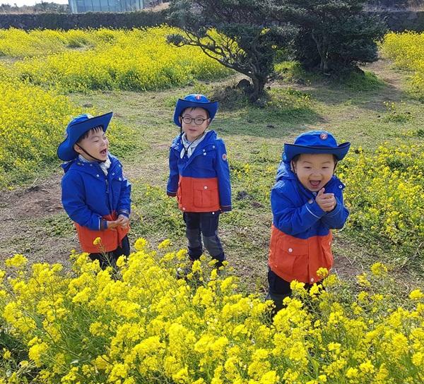 sao-han-29-3-hyun-ah-hyo-min-do-sexy-aoa-ngu-guc-tren-may-bay-2-8