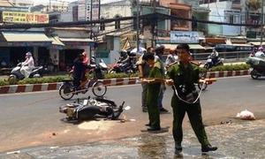 Hai nữ sinh bị tạt axit khi đang chạy xe ở Sài Gòn