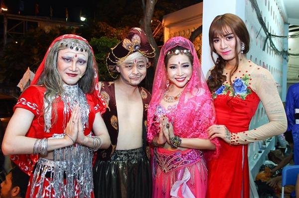 Không chỉ đảm nhận vai trò đạo diễn, Huỳnh Lập còn vào vaiTrong một vở kịch