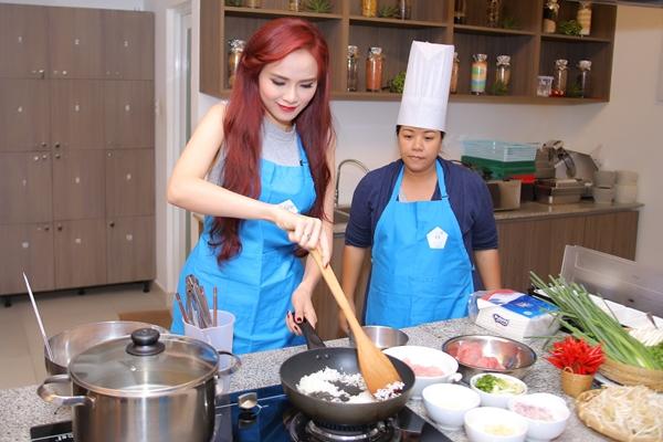 diem-huong-khoe-tai-nau-nuong-duoc-chuyen-gia-nhat-khen-3