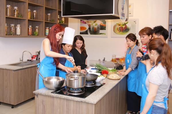 diem-huong-khoe-tai-nau-nuong-duoc-chuyen-gia-nhat-khen-4