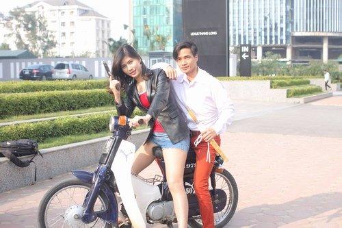 le-roi-quay-lai-showbiz-dong-phim-voi-hot-girl-chuyen-gioi-1