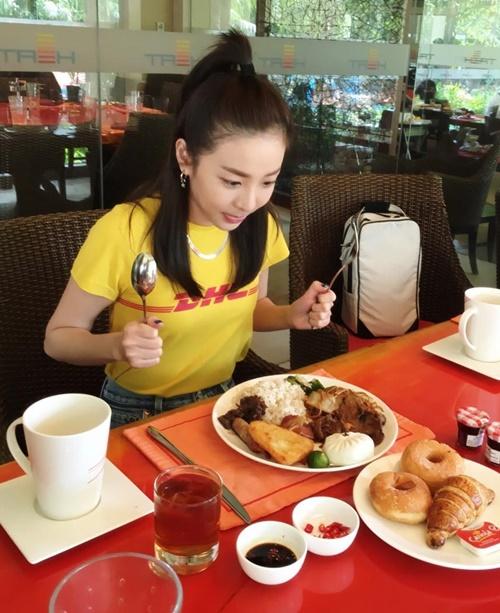 sao-han-3-4-victoria-khoe-xi-tai-chat-lu-nana-dang-anh-xau-bat-chap-hinh-tuong
