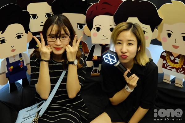 fan-tiu-tit-selfie-voi-quan-nhan-song-joong-ki-tai-le-hoi-kpop-lovers-8