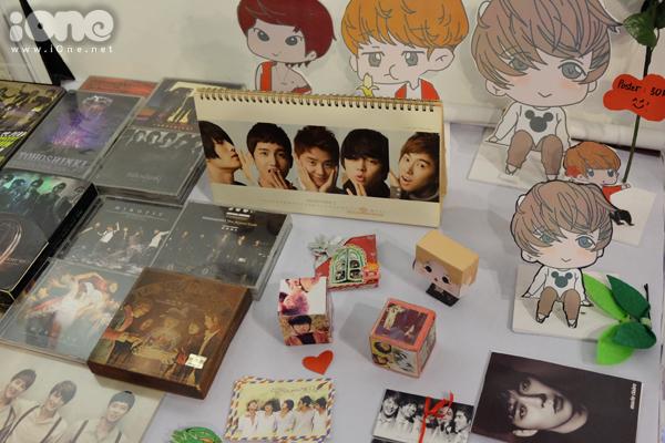 fan-tiu-tit-selfie-voi-quan-nhan-song-joong-ki-tai-le-hoi-kpop-lovers-6