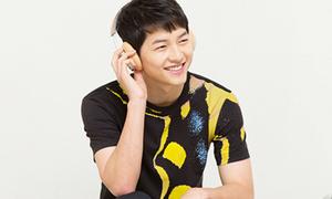 Song Joong Ki như nam sinh mới lớn trong hậu trường chụp ảnh