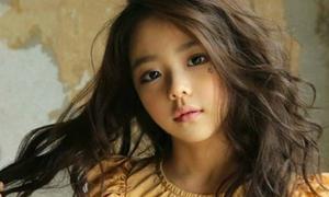 Hot girl 7 tuổi mặt sang chảnh, nổi tiếng làng mốt Hàn