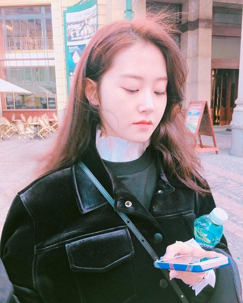 sao-han-9-4-seol-hyun-do-sac-hye-jeong-yuri-kem-xinh-khi-chua-tut-tat-2