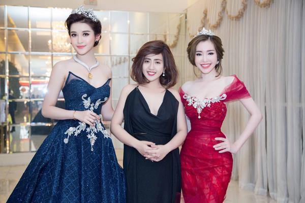 elly-tran-lan-dau-tai-xuat-catwalk-khoe-eo-nho-nhat-showbiz-8