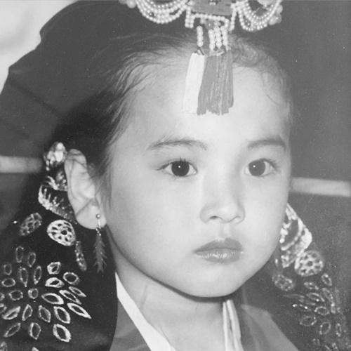 sao-han-10-4-song-hye-kyo-xinh-tu-be-yoon-ah-dep-doi-ben-lam-canh-tan-7