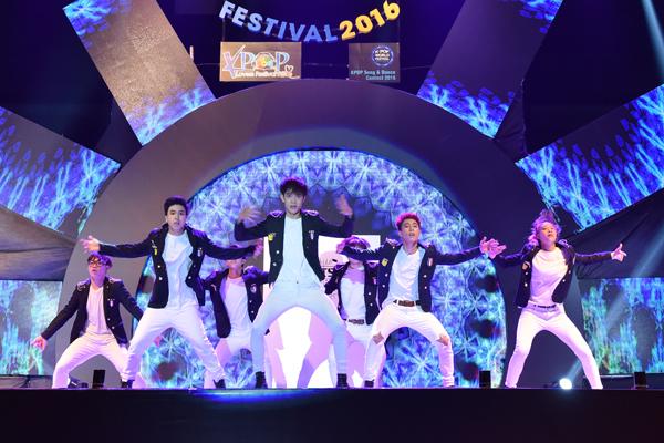 fan-viet-quy-tung-bung-dem-nhac-hoi-kpop-2016-1