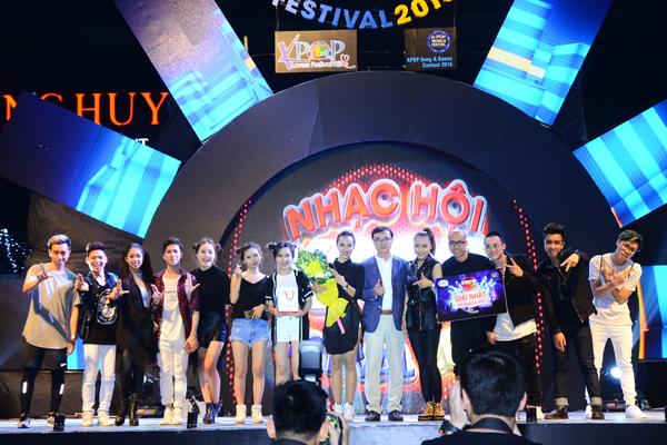 fan-viet-quy-tung-bung-dem-nhac-hoi-kpop-2016-2