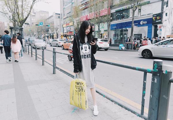 street-style-sao-viet-tuan-qua-vay-dai-qua-goi-do-denim-len-ngoi-4