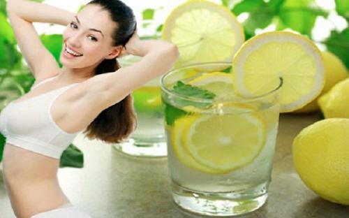 Nước chanh cũng là thức uống thay thế tốt cho nước ngọt, nước chứa nhiều đường, do đó có thể cắt giảm lượng calo hấp thu vào cơ thể