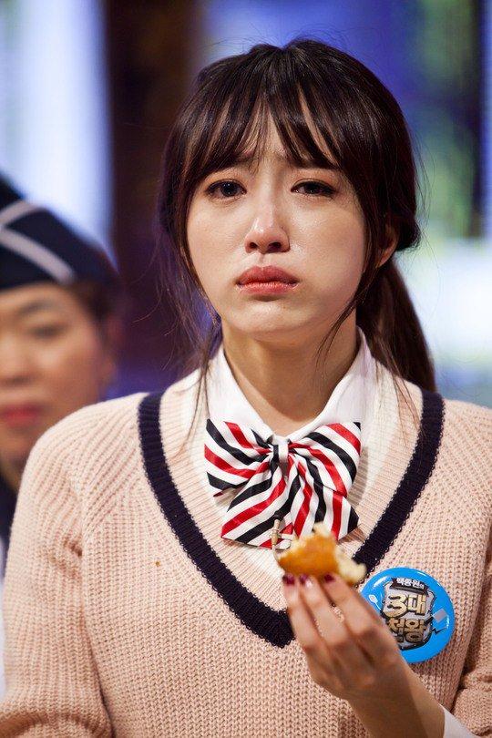 hani-nang-tomboy-co-day-than-kinh-khoc-nhe-nhay-nhat-kpop-5