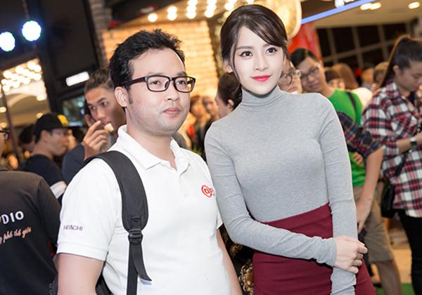 Ngay sau buổi công chiếu, Chi Pu rời sự kiện để dự buổi tiệc đóng máy phim Vệ sĩ Sài Gòn. Trong bộ phim hài  hành động, Chi Pu vào vai nữ chính trong phim, đóng cùng Thái Hoà, Kim Lý, B Trần&