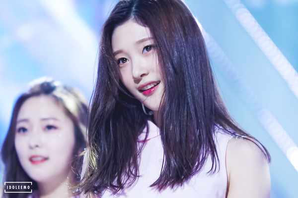 tan-binh-produce-101-gay-chu-y-vi-giong-jun-ji-hyun-suzy-krystal