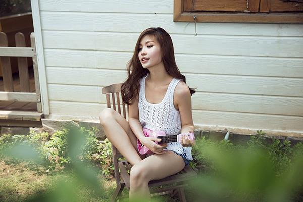 Với Diễm Trang, con trai hay con gái không quan trọng, cô chỉ mong muốn hai mẹ con được mẹ tròn con vuông đến ngày em bé chào đời. Cô may mắn vì có được ông xã tâm lý, luôn chăm sóc và chiều chuộng cô.