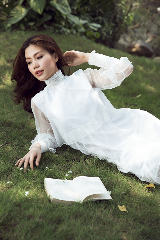 diem-trang-mang-bau-khong-ngai-dien-do-tam-sexy-5