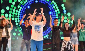 Giới trẻ Sài Gòn thi nhảy cùng Ngô Kiến Huy