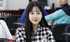 Thiếu nữ cờ vua xinh đẹp được ví 'tiểu Kim Hee Sun'
