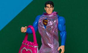 Khi siêu anh hùng, quái vật phải mặc đồ của Barbie