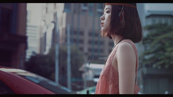 hot-girl-suni-ha-linh-tung-mv-hut-20-trieu-luot-nghe-9