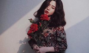 Hot girl Heo Mi Nhon bầu 5 tháng vẫn cực sành điệu