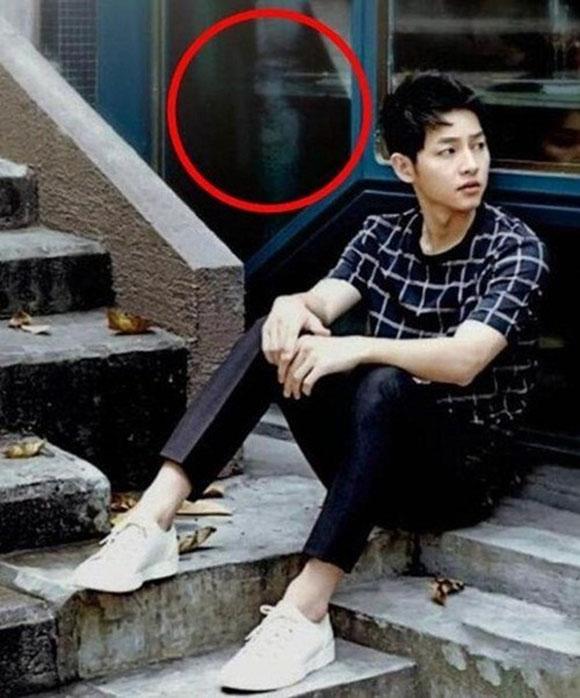 hon-ma-nu-duoc-photoshop-vao-anh-song-joong-ki