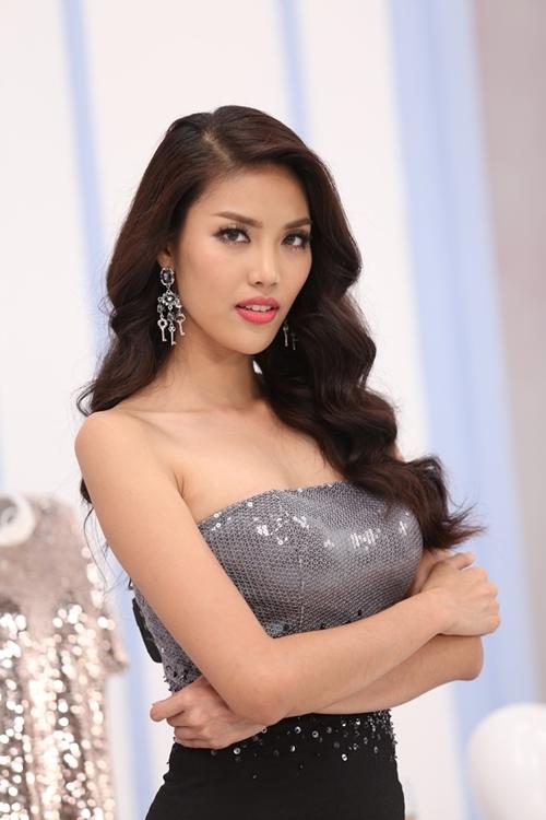 lan-khue-lam-chuyen-gia-trang-diem-cho-hot-girl-viet-3