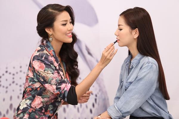lan-khue-lam-chuyen-gia-trang-diem-cho-hot-girl-viet-7