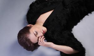Vicky Nhung tung mashup 5 bản hit thuộc 'nằm lòng' với giới trẻ