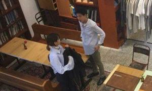Soo Young (SNSD) mặc đồ đôi đi chơi với bạn trai
