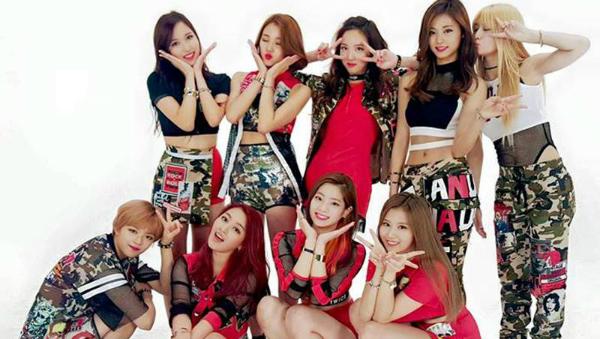 Tuy chỉ mới ra mắt chưa đầy một năm nhưng nhóm nữ tân binh nhà JYP đã chứng tỏ sức mạnh đe dọa nhiều nhóm nhạc đàn chị. Chương trình thực tế của nhóm với tên gọi Twices Elegant Private Life đã thu hút đông đảo người xem. Phần lớn khán giả là nam và ở lứa tuổi 20.