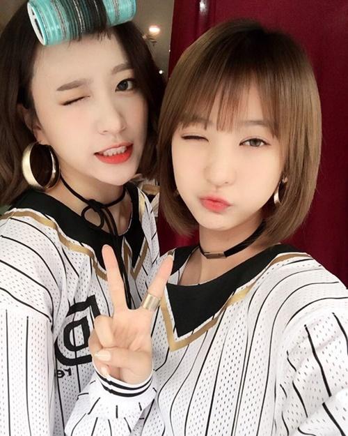 sao-han-3-5-hyun-ah-mat-bong-dau-hong-ki-om-nu-than-song-hye-kyo-ngu-1