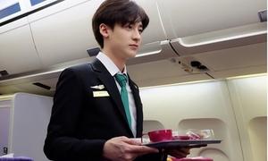 Ảnh hot boy Thái bị 'câu like' là tiếp viên hàng không Việt