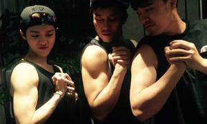 Lu Han vênh mặt khoe bắp tay nhờ tập thể hình