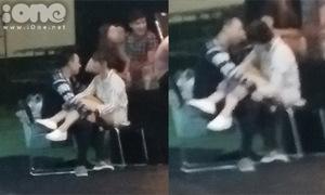 Clip: Trấn Thành - Hari ôm hôn, đấm bóp lưng nơi đông người
