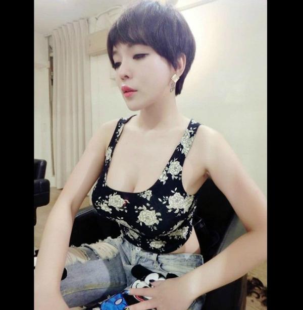 4-hot-girl-ban-hang-goi-cam-ngop-tho-8