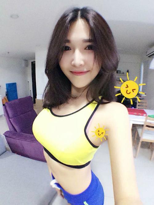 4-hot-girl-ban-hang-goi-cam-ngop-tho-3