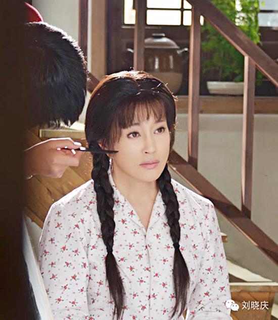 10-my-nhan-co-man-cai-lao-hoan-dong-gay-choang-tren-man-anh-hoa-ngu-4