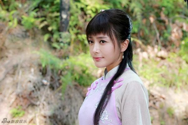 10-my-nhan-co-man-cai-lao-hoan-dong-gay-choang-tren-man-anh-hoa-ngu-6