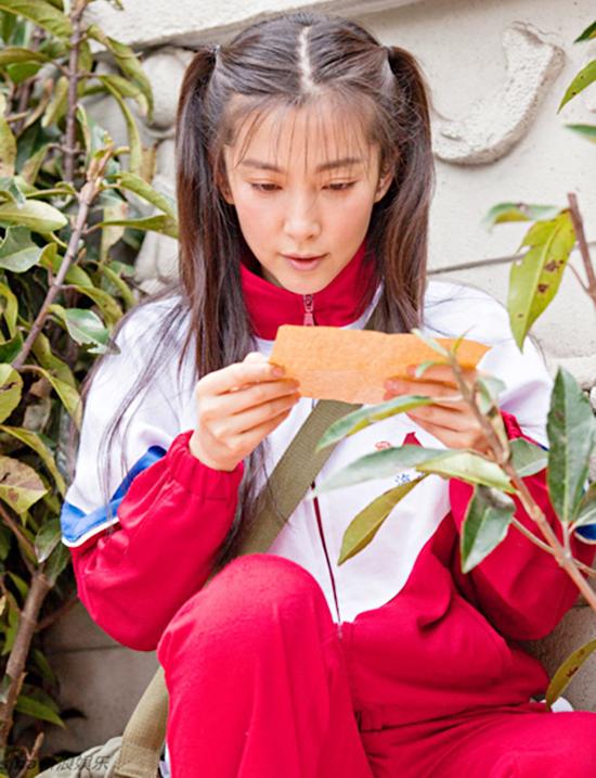 10-my-nhan-co-man-cai-lao-hoan-dong-gay-choang-tren-man-anh-hoa-ngu-7