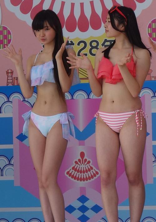 idol-12-tuoi-nhat-ban-dien-bikini-nhay-sexy-gay-tranh-cai-3