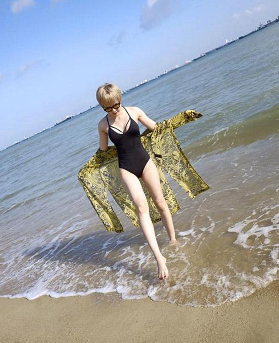 hot-girl-viet-so-eo-thon-dang-nuot-khi-dien-bikini-6