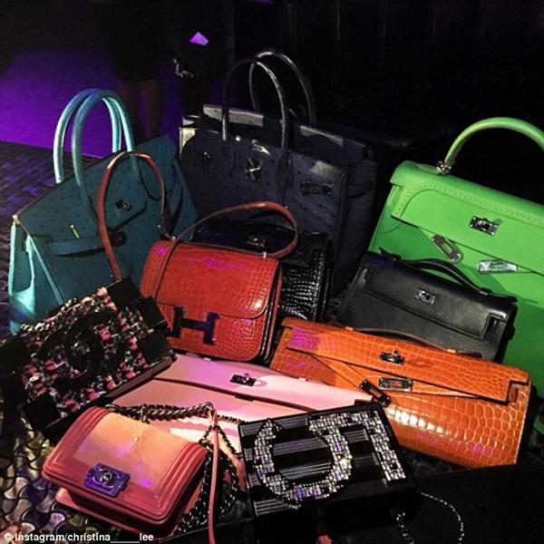 Bộ sưu tập những chiếc túi Chanel và Hermes của Christina.