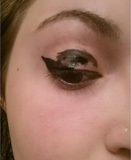 11-noi-dau-voi-eyeliner-mascara-co-gai-nao-cung-hieu-6