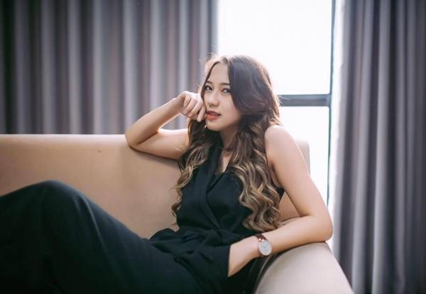 """Đối mặt không ít lời bàn luận, so sánh với vai diễn Kiều Linh """"phù thủy"""" của đàn chị Vân Navy, Trang Cherry đã nỗ lực không ngừng để tạo được nét cá tính riêng của mình."""